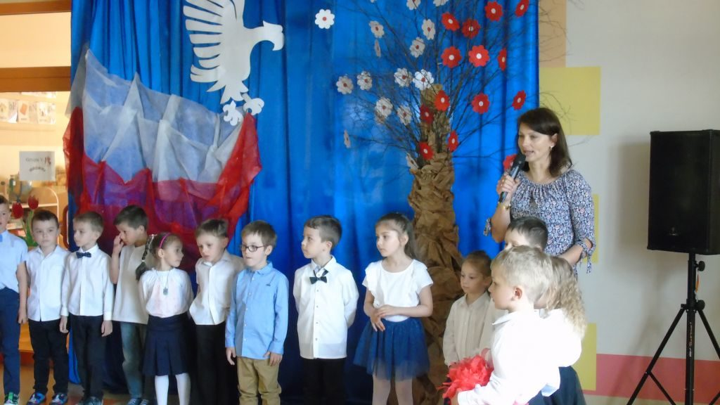 święto Flagi Przedszkole Słoneczne W Woli Rzędzińskiej